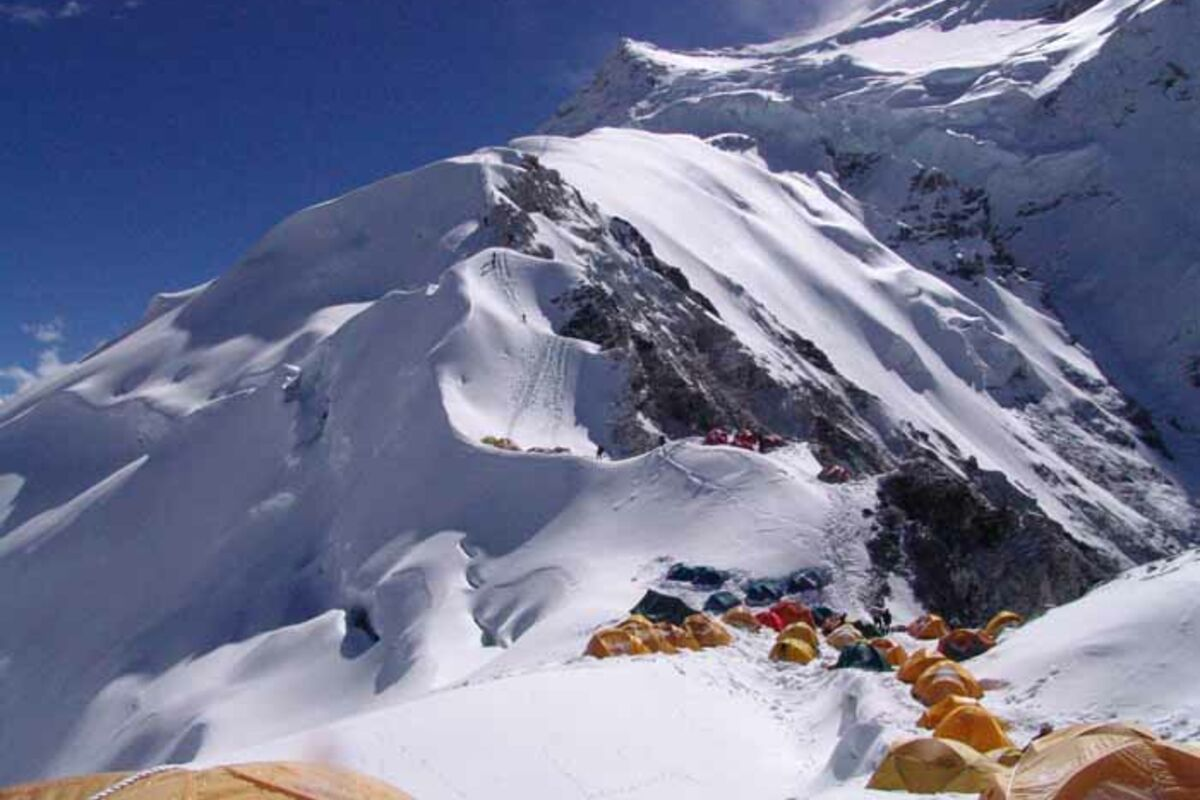Zelte des 1. Lagers am Cho Oyu - SummitClimb Expedition | © SummitClimb Teilnehmer Guntis