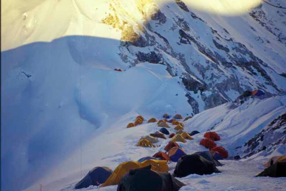 Zelte am Hochlager des Cho Oyu - 8201m Expedition | © SummitClimb Cho Oyu - TN Lepagne